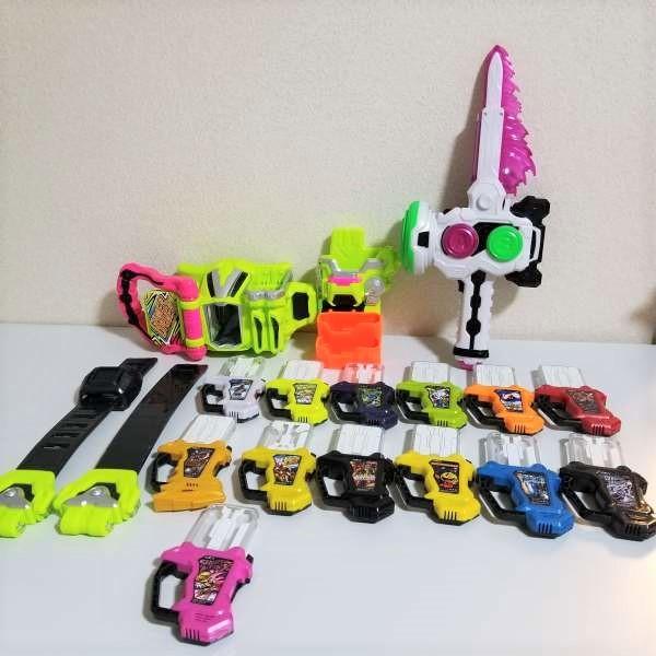仮面ライダー エグゼイド ガシャット14個 DXゲーマードライバー キメワザスロットホルダー DXガシャットブレイカー 子供 おもちゃ