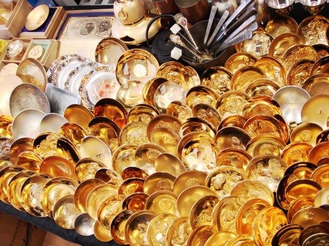 超大量!!!金杯・銀杯・メダル・朱肉・食器・置物等10kg以上!!200点セット☆お好きな方どうぞ!!